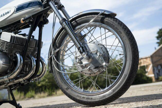 Classic rides: old vs new economy: Kawasaki H1-500