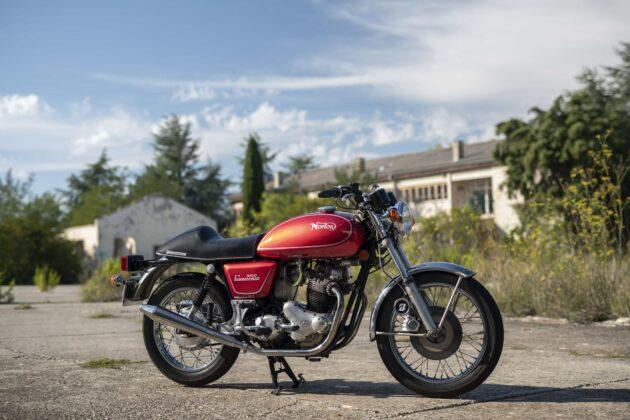 Classic rides: old vs new economy: Norton Commando 850